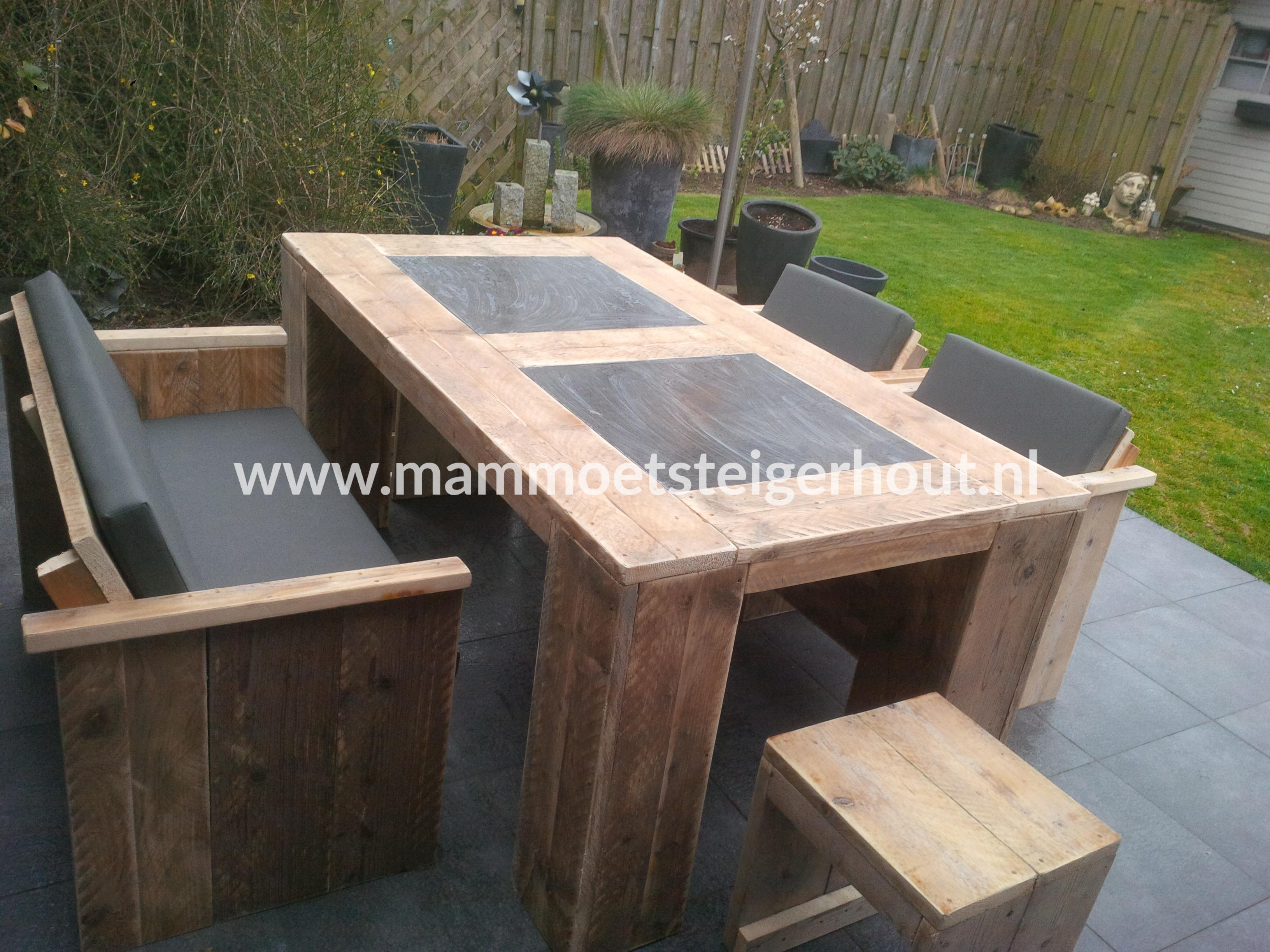 Steigerhout tuinset exclusive 4 personen mammoet for Steigerhout tuinset